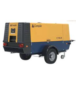Compresor diesel de 11.600 l/min a 12 Bar.
